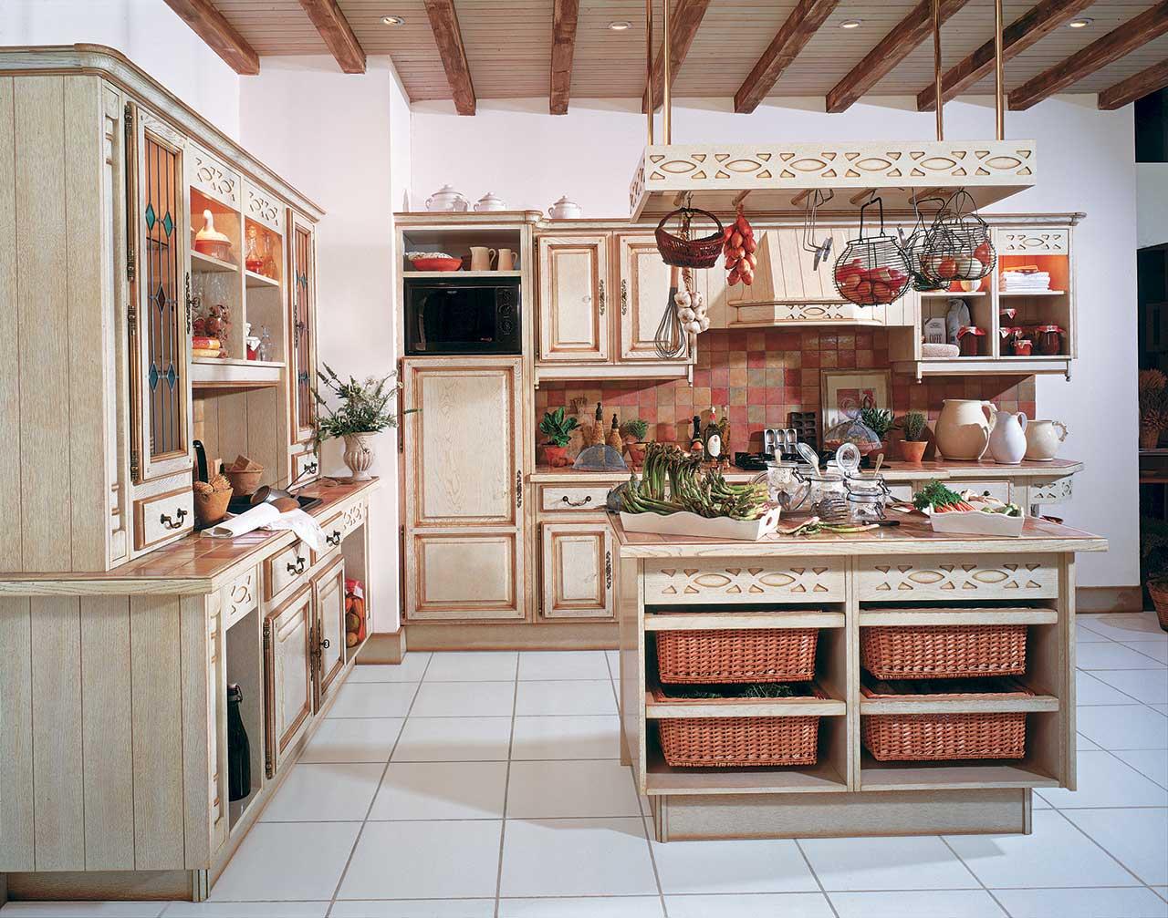 sainte maxime meubles marinier cuisines et mobiliers cuisines. Black Bedroom Furniture Sets. Home Design Ideas