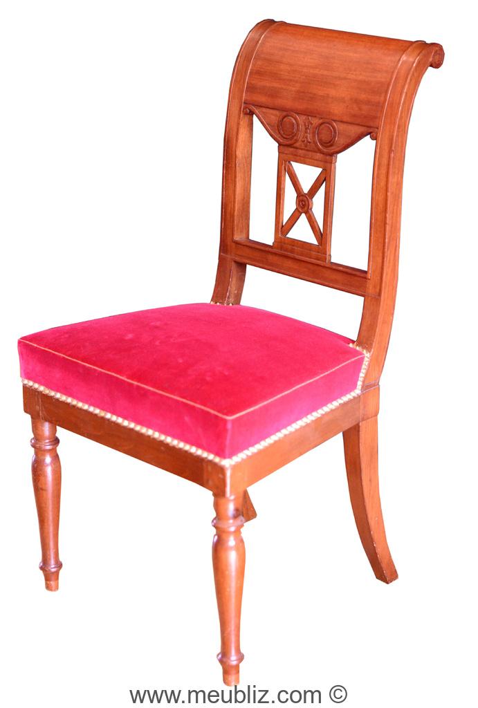 Chaise De Style Directoire Courbes Sobres