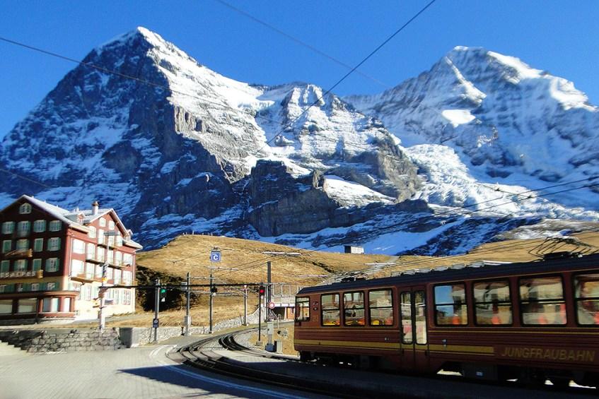 16 - Suíça