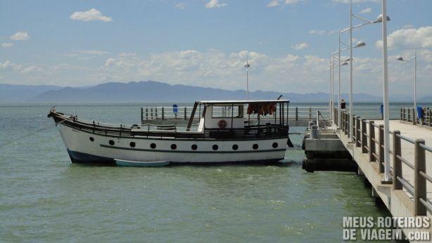 Barco no Trapiche da Av. Beira-Mar Norte - Florianópolis
