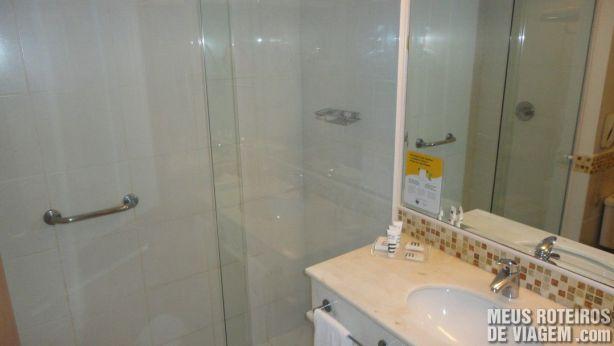 Banheiro do Hotel Mercure Salvador Rio Vermelho