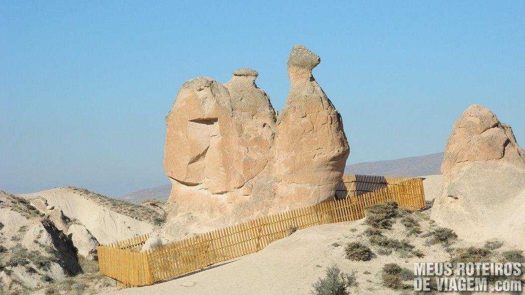 Rochas em formato de camelo no Vale da Imaginação - Capadócia, Turquia