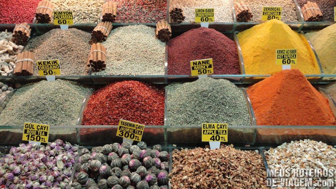 Condimentos no Bazar Egípcio - Istambul, Turquia