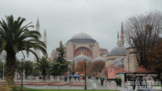 Basílica de Santa Sofia vista da Praça Sultanahmet - Istambul, Turquia