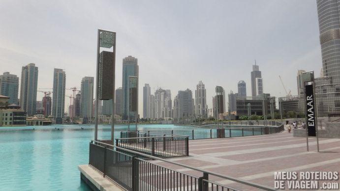 Área externa do Dubai Mall, junto ao Burj Khfalifa