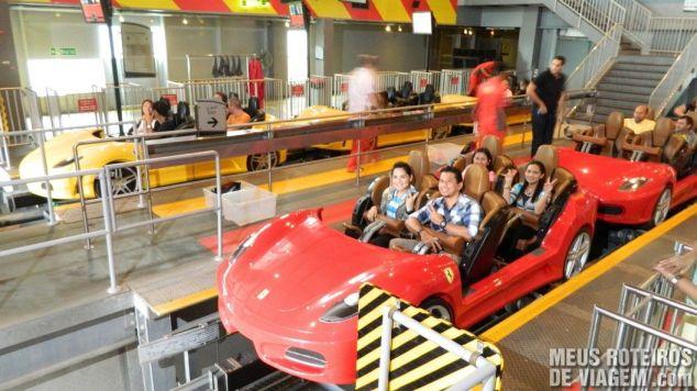 Montanha-russa Fiorano GT Challenge no Ferrari World - Abu Dhabi, Emirados Árabes