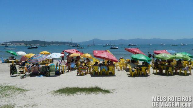 Praia de Canajurê, em frente ao restaurante Recanto do Sol