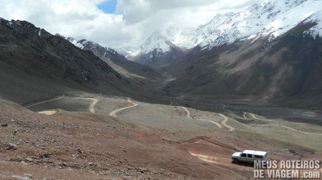 Estrada para o Cristo Redentor de Los Andes no lado argentino
