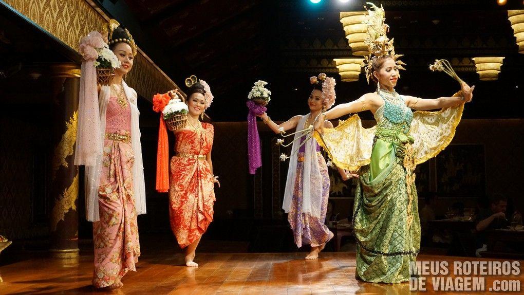 Apresentação de dança típica no Sala Rim Naam - Mandarin Oriental Bangkok