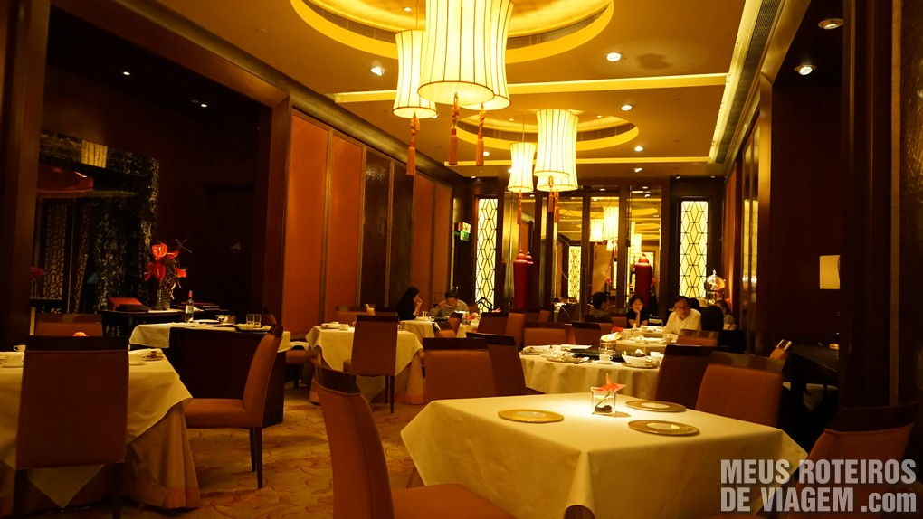"Restaurante oriental ""The Golden Leaf"" - Hotel Conrad Hong Kong"
