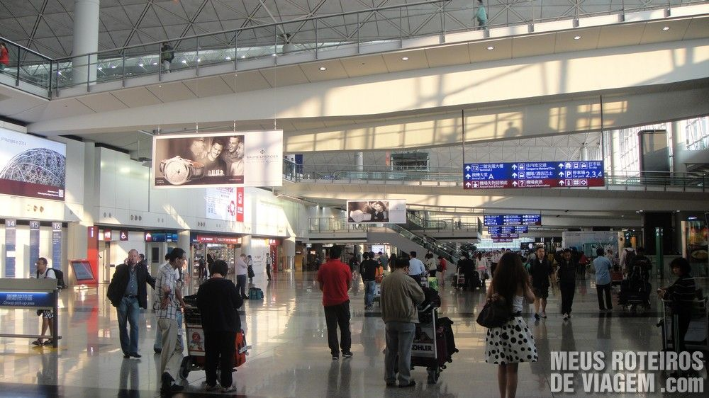 Hall do desembarque no Aeroporto de Hong Kong