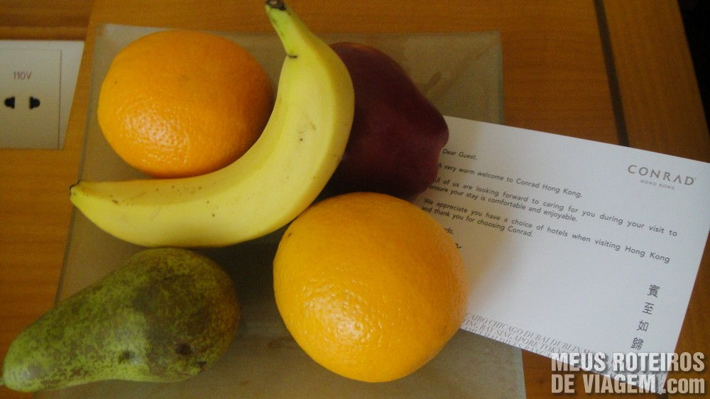 Frutas frescas de cortesia