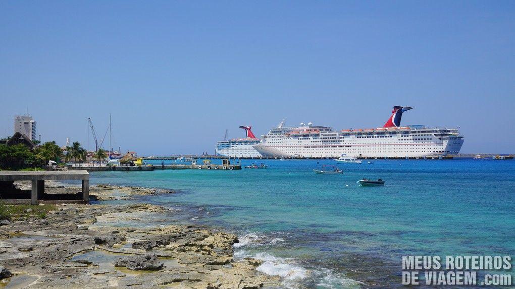 Navios em Cozumel - México