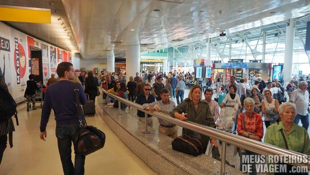 Saída do desembarque no Aeroporto de Lisboa