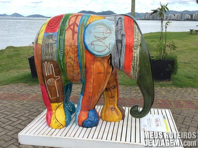 """Elefante """"Psycho Elephant Antropofágico Tropical"""", por Fernando Guimarães"""