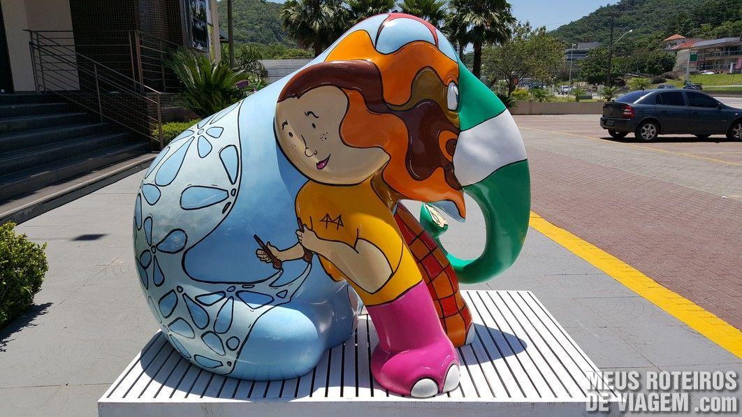"""Elefante """"Eleflopolix"""", por Bryam Dissenha (foto: Fernando Marques, blog vamogente.com)"""