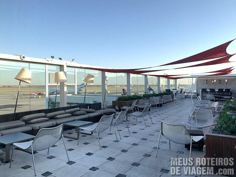 Mirante na sala vip Delta Sky Club - Aeroporto JFK, Nova York