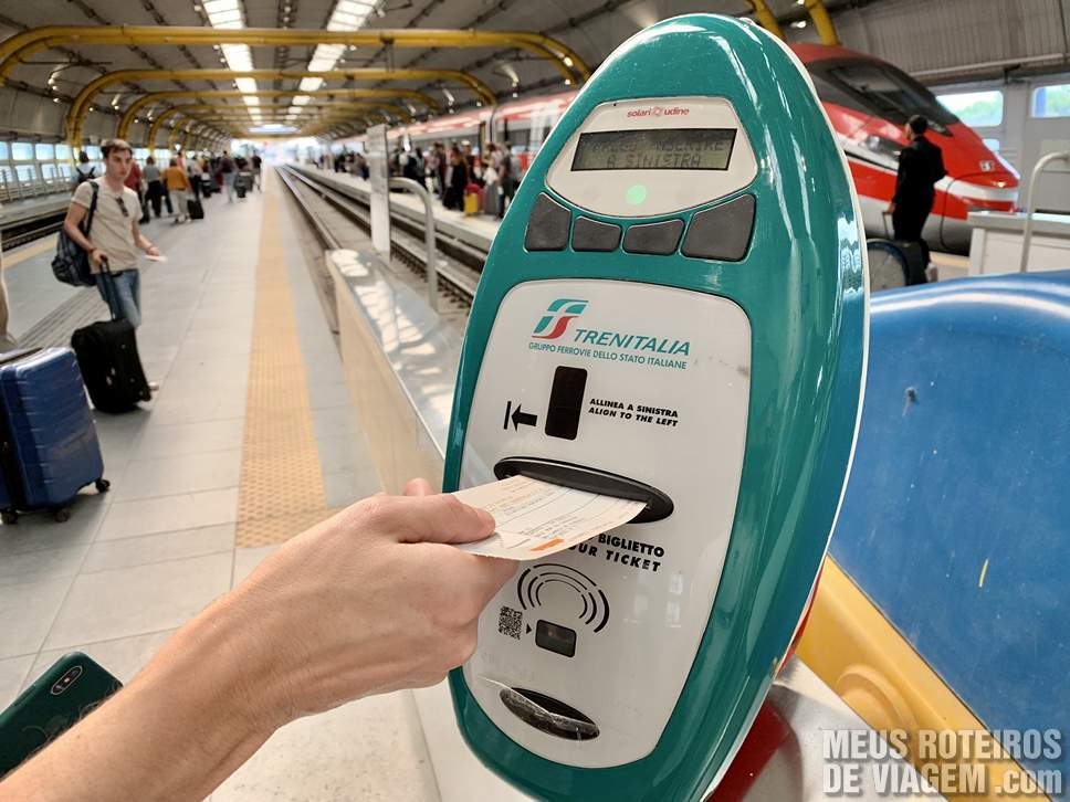 Trem no Aeroporto de Roma Fiumicino
