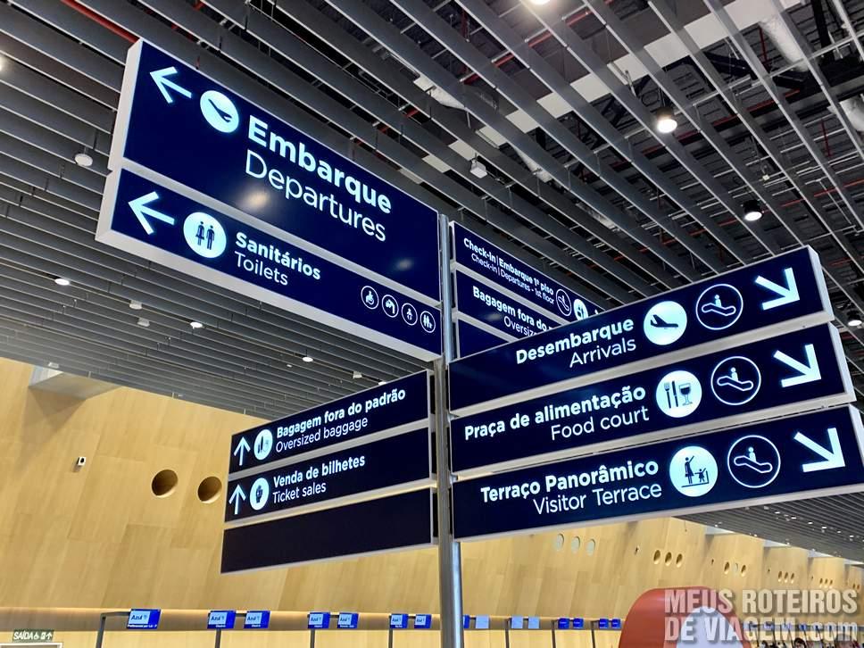 Placas de sinalização do Floripa Airport