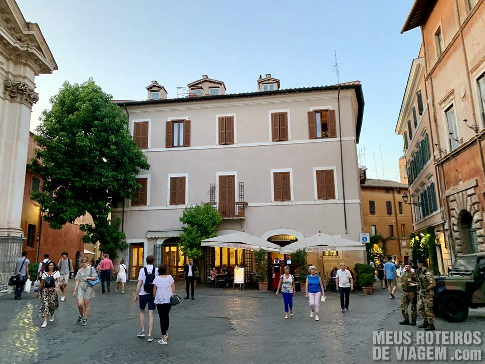 Praça em Trastevere, Roma