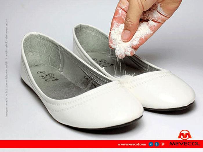Bicarbonato para el mal olor de los zapatos