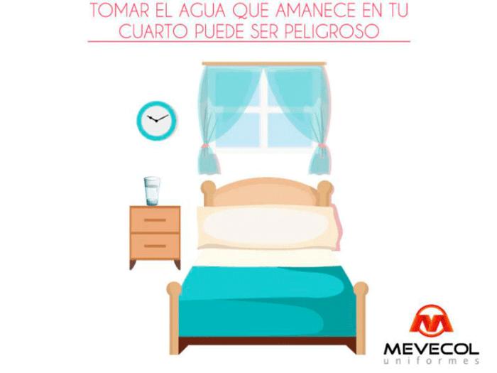 Tomar el agua que amanece en tu cuarto puede ser peligroso