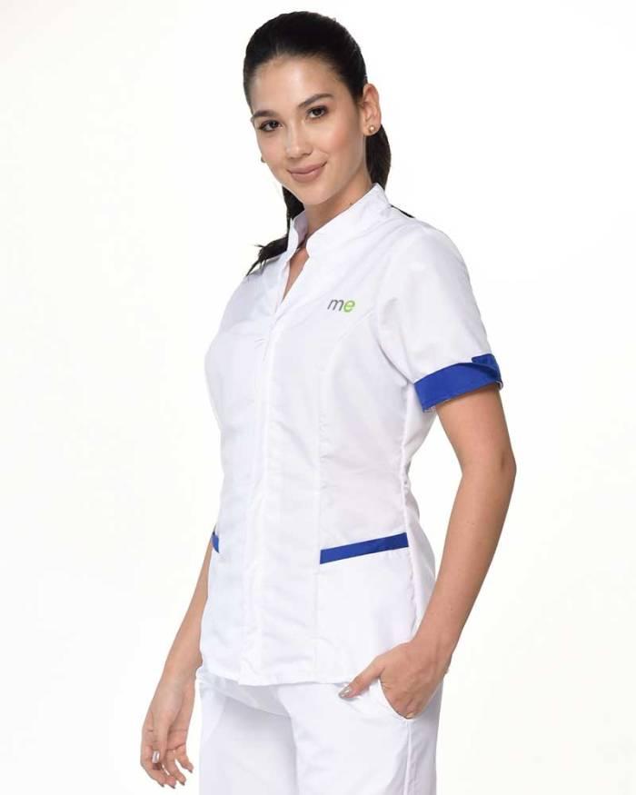 camisa blanca cuello y mangas azul oscuro antifluido s15-3