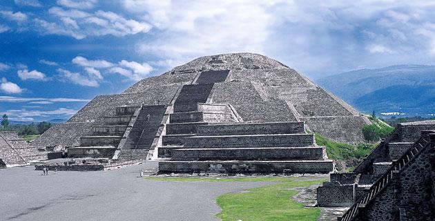 Pirámide de la luna.