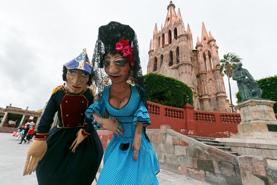 Mojigangas en San Miguel de Allende