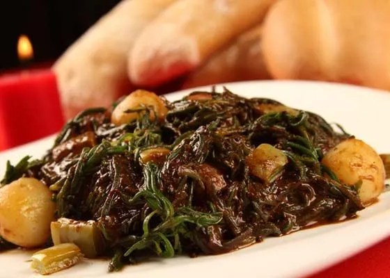 Romeritos with Mole, Tradition at Christmas Dinner