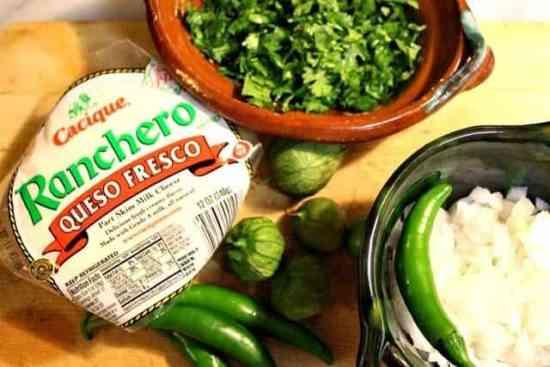 Queso fresco ranchero, Queso fresco en salsa verde