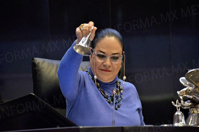 Llama Mónica Fernández a utilizar la política para dirimir diferencias