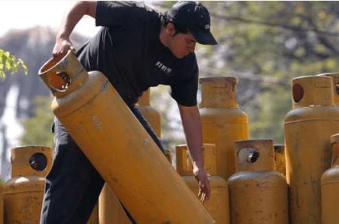 Con excedente de gas natural se reduciría costo en cilindros: AMLO