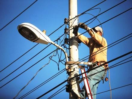 Llama Coparmex a Ejecutivo y Legislativo diálogo sin descalificaciones en reforma eléctrica