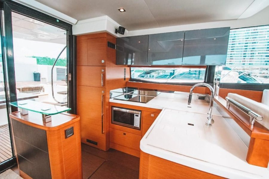 Luxury Yacht for rent
