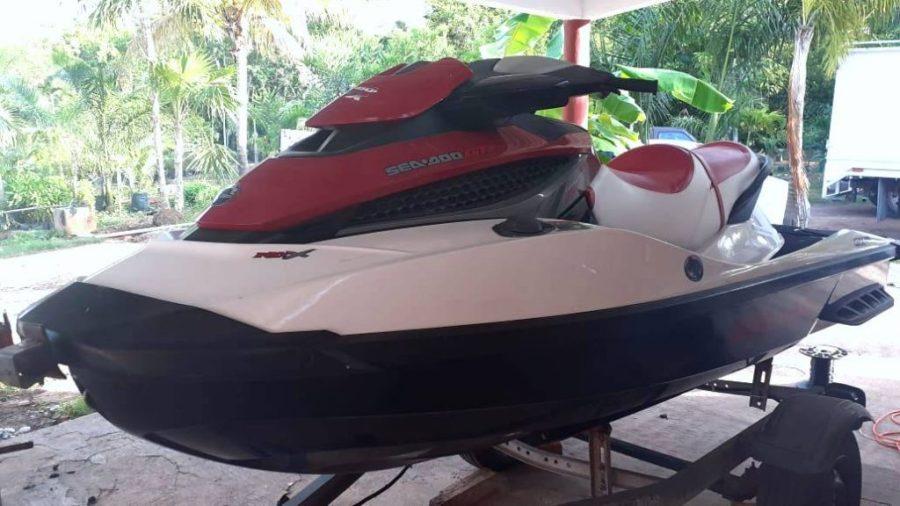 Jet Ski with yacht
