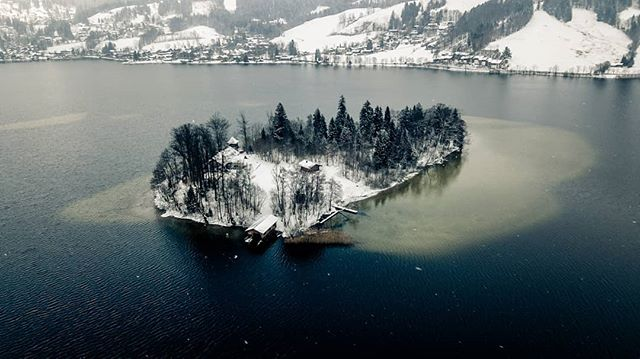 Snowy day at the Schliersee in Bavaria with its small Wörth island