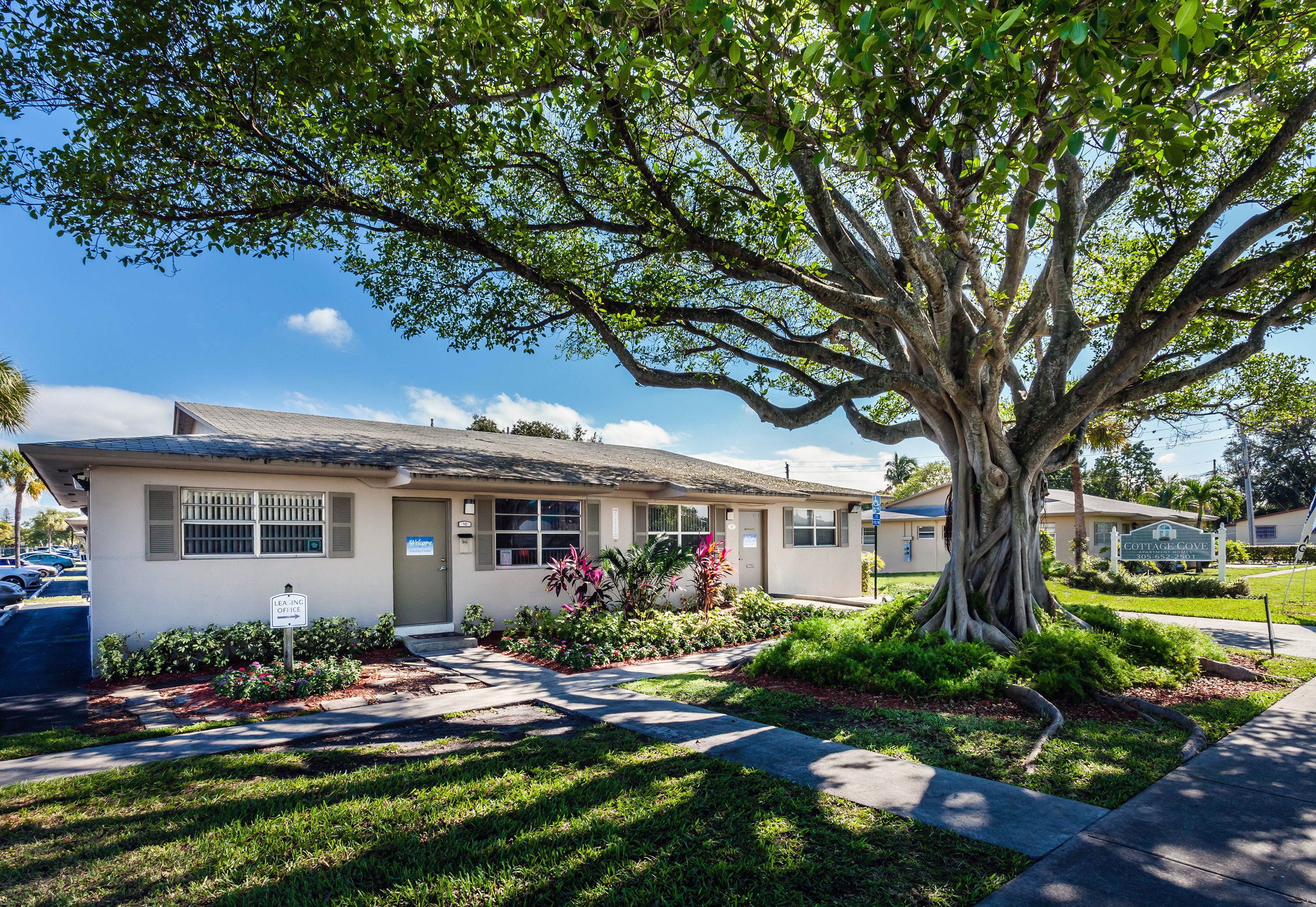 cushman wakefield negotiates 50m sale of cottage cove apartments rh meyer media cottage cove apartments reviews cottage cove apartments reviews
