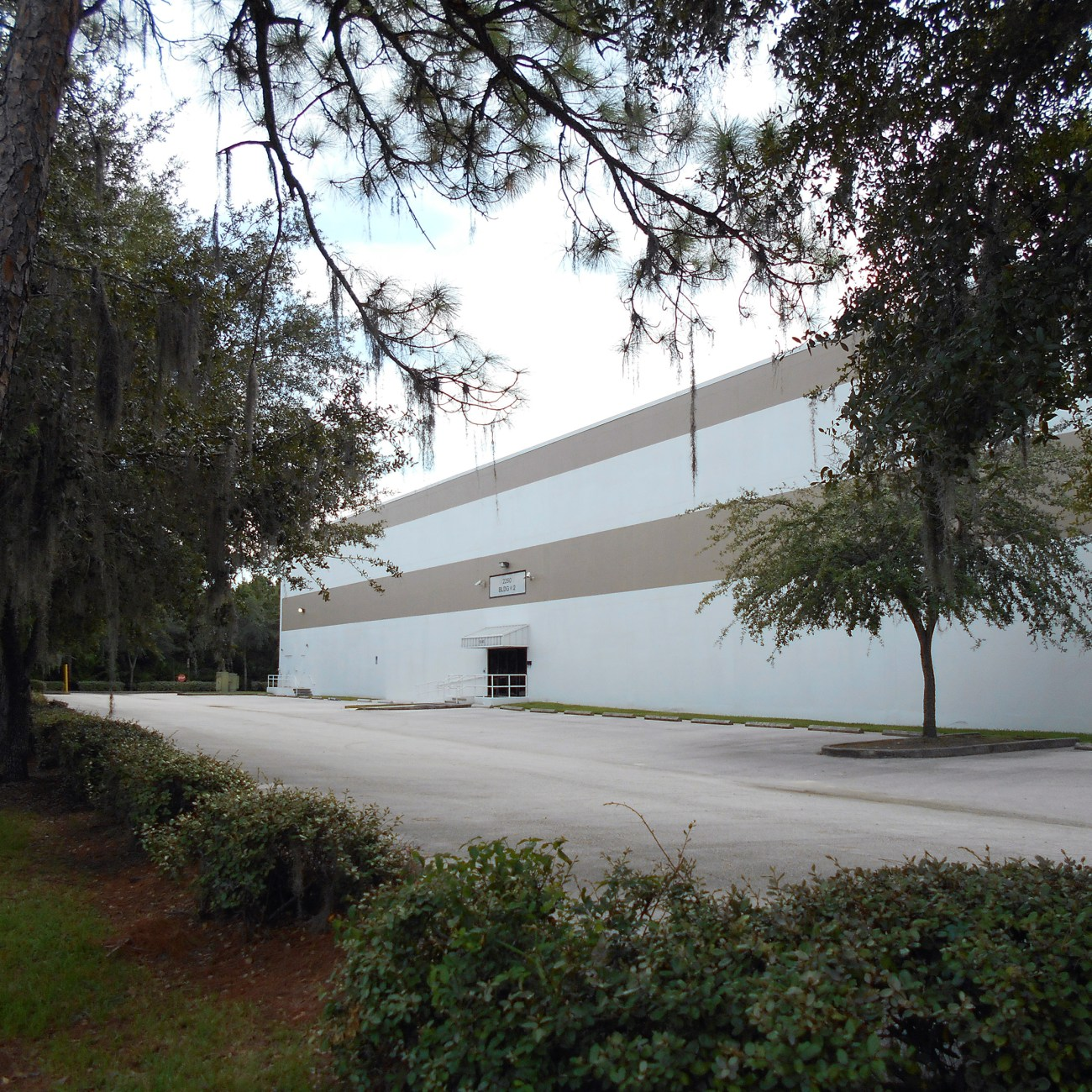 Cushman & Wakefield Negotiates 80,000-SF Warehouse Lease