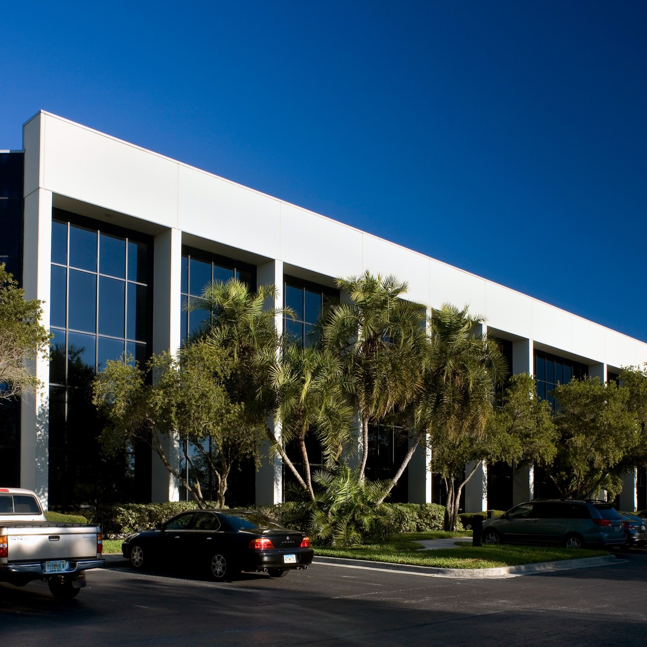 Cushman & Wakefield Negotiates 18,000-SF Headquarters Relocation at Baypoint Commerce Center