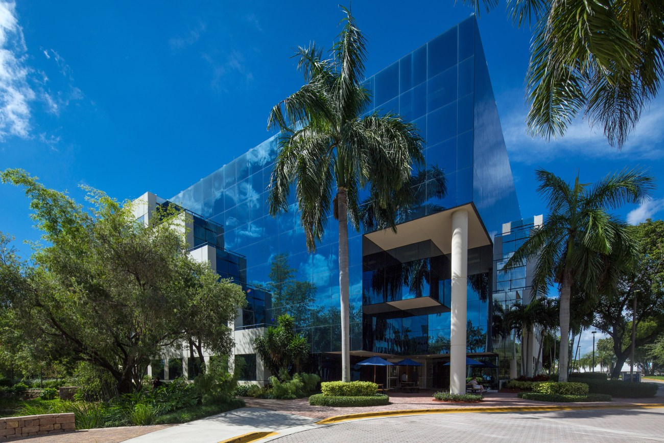 Cushman & Wakefield to Lease Aventura Corporate Center