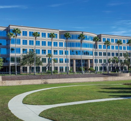 Cushman & Wakefield Negotiates Record Sale of Colonial Center at TownPark