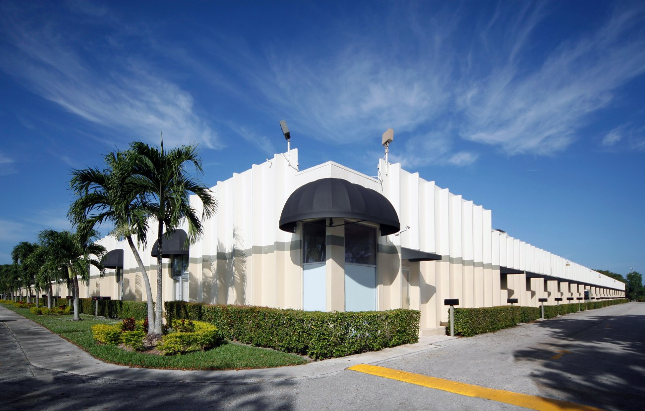Cushman & Wakefield Negotiates $8.4M Sale and $5.86M Financing of Coral Springs Business Warehouse