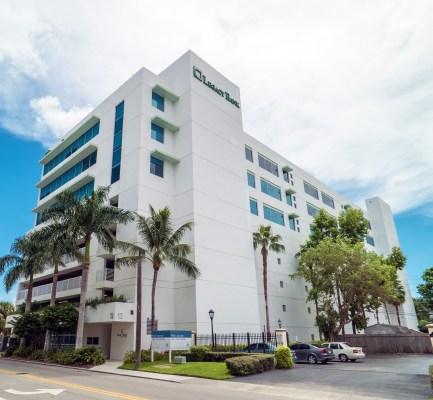 Cushman & Wakefield Negotiates $13.7M Sale and $11.88M Financing of Fort Lauderdale CBD Office Building