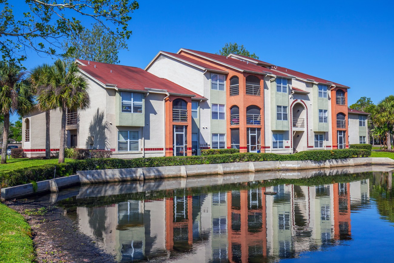 Cushman & Wakefield Negotiates $36.4M Sale of Reflections Apartments
