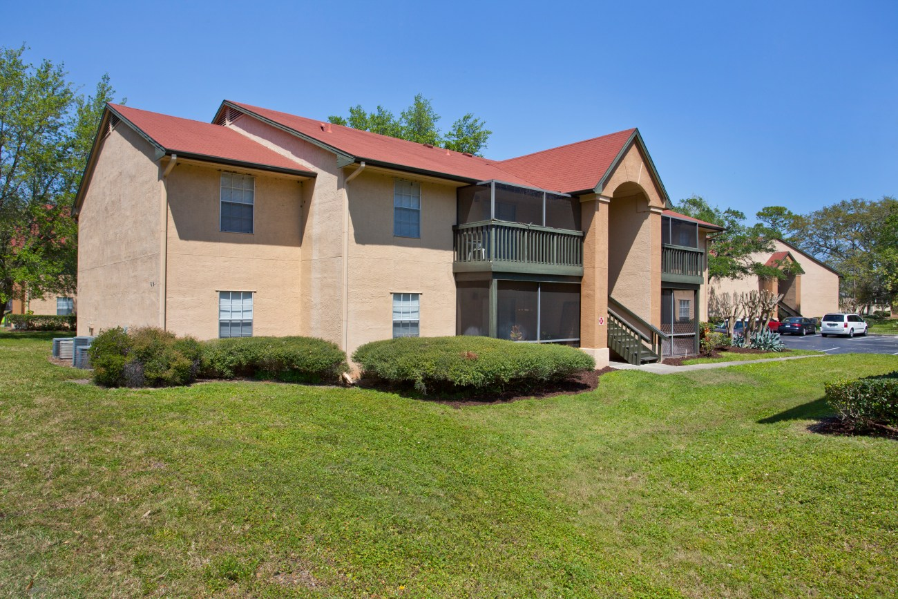 Cushman & Wakefield Negotiates $30.3M Sale of Ocean Oaks Apartments
