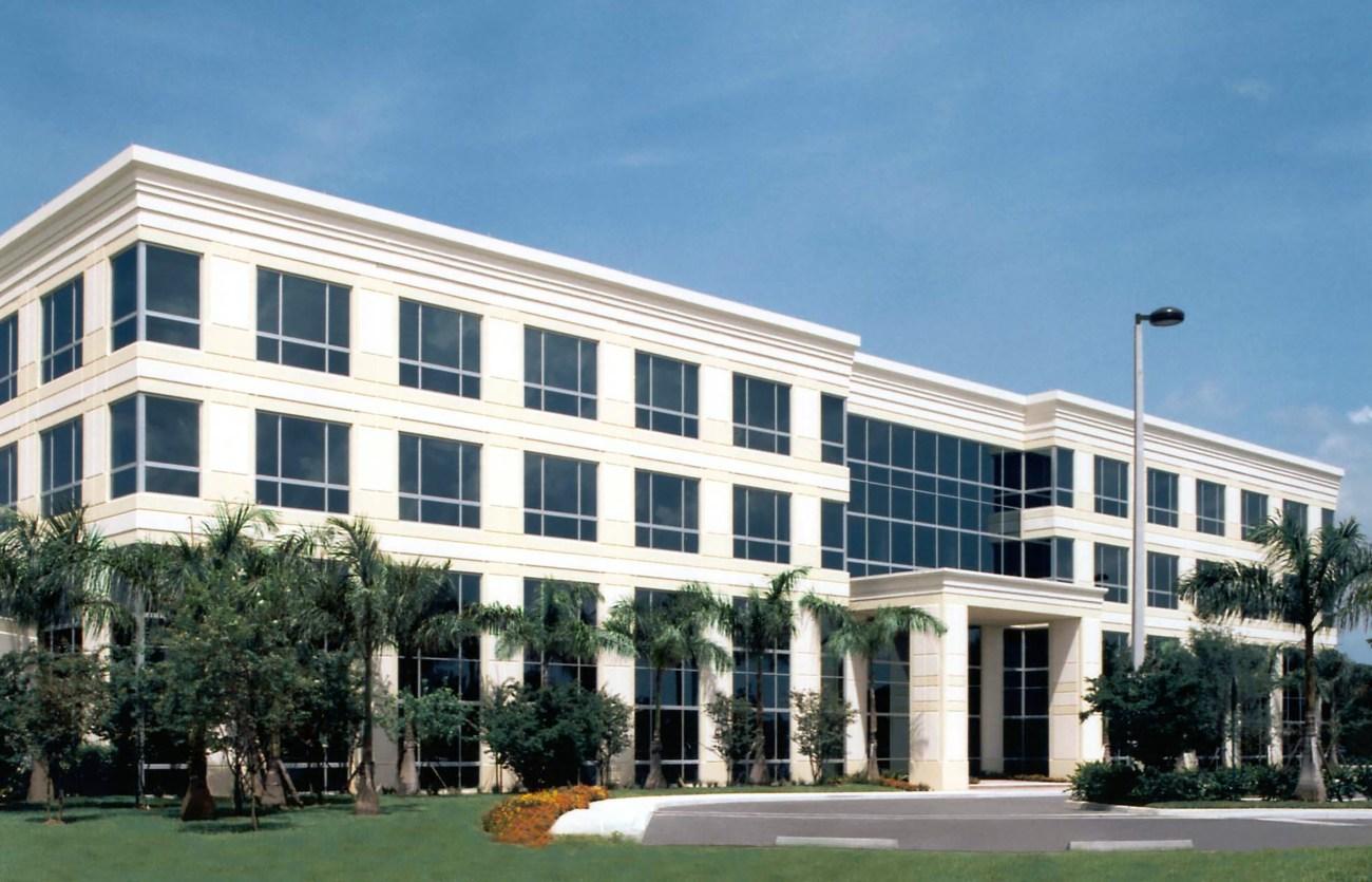 Cushman & Wakefield Represents Kaplan, Inc. in 193,000-SF HQ Renewal
