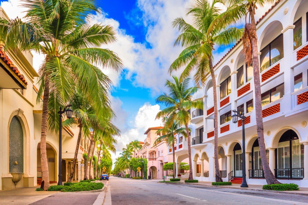 Worth Avenue in Palm Beach, FL | Source: Fotolia