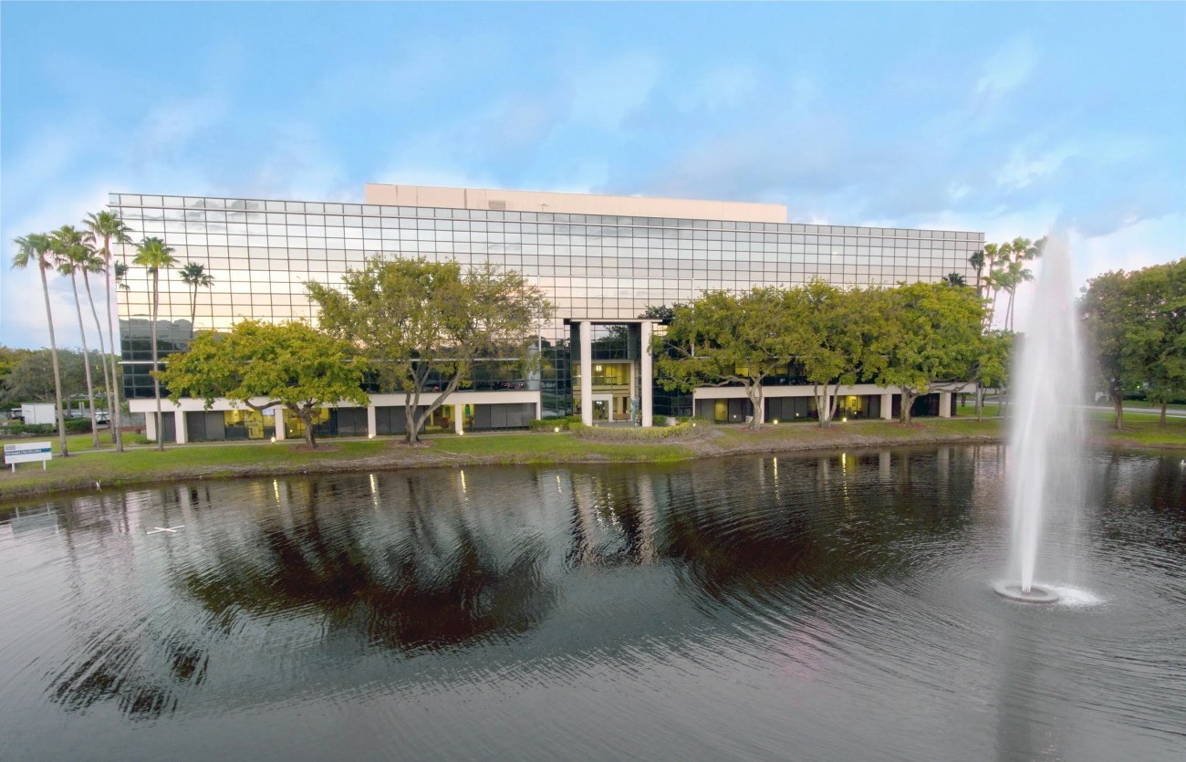 Cushman & Wakefield Negotiates $17.65M Sale and Financing of Lakeside Plaza