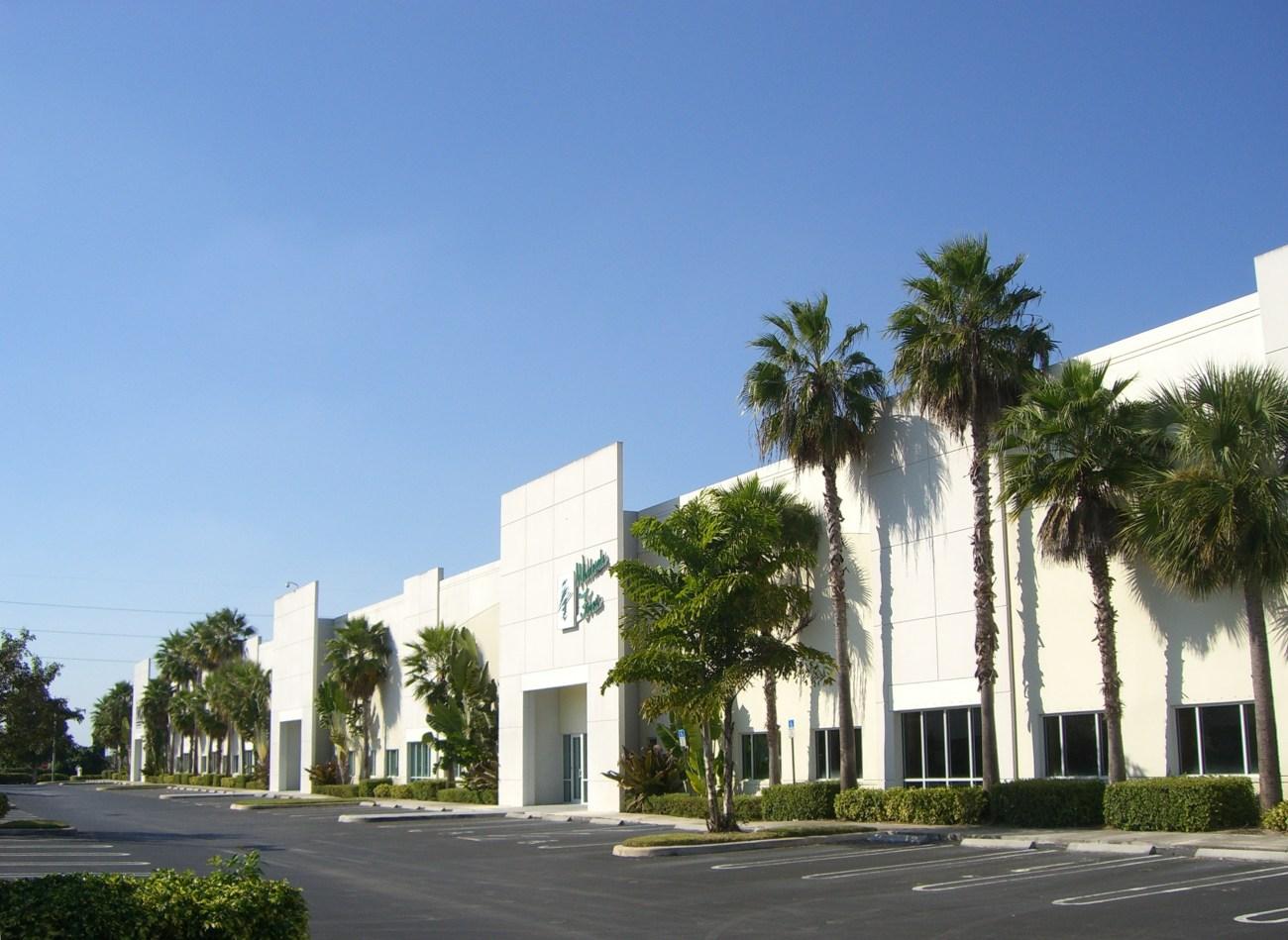 Cushman & Wakefield Negotiates 52,505-SF HQ Renewal with Quantachrome Instruments at Boynton Commerce Center